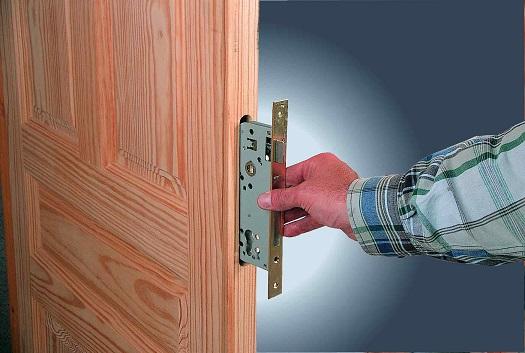 замена замка двери